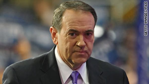 Mike Huckabee says reports that he had pardoned Maurice Clemmons or set him free were erroneous.