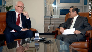 Stephen Bosworth, U.S. envoy to North Korea, briefs South Korean official Wi Sung-lac on Thursday in Seoul.