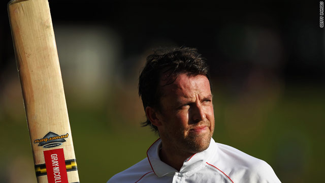 Swann powered England back into contention with a quickfire 85 off 81 balls.