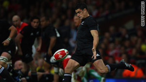 The reliable boot of Dan Carter helped the All Blacks to victory in Cardiff.