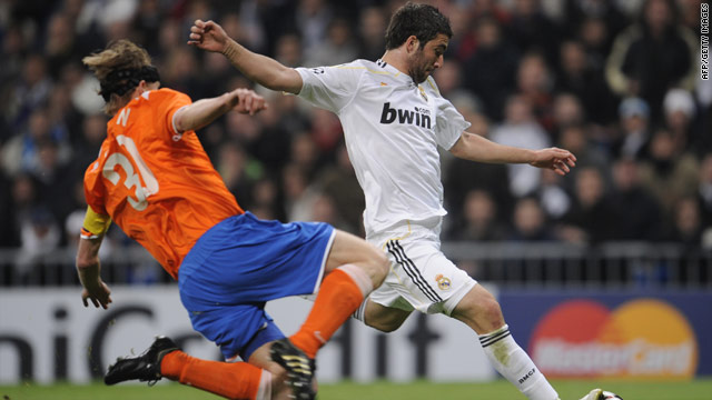 Argentine striker Gonzalo Higuain continued his recent socring form with Real Madrid's only goal against Zurich.