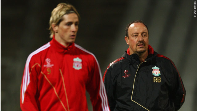Fernando Torres has backed Rafael Benitez to Liverpool's fortunes around and stated his desire to remain at Anfield.