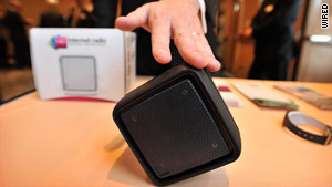 The Q2 Cube Internet radio tries to innovate in terms of how users interact with it. It's the first dial-free radio.