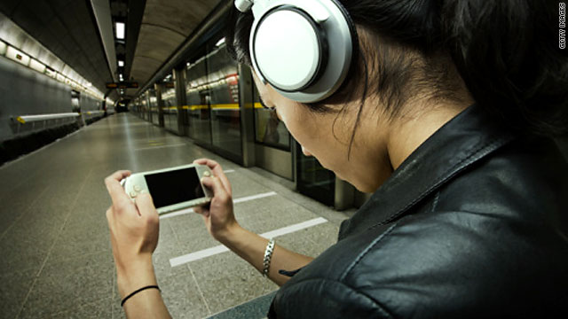 On the go, yet still connected: Smartphones and portable gaming devices entered the mainstream in 2009.