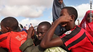 Somali military recruiters are enlisting men from Kenya's Dadaab camps say Human Rights Watch.