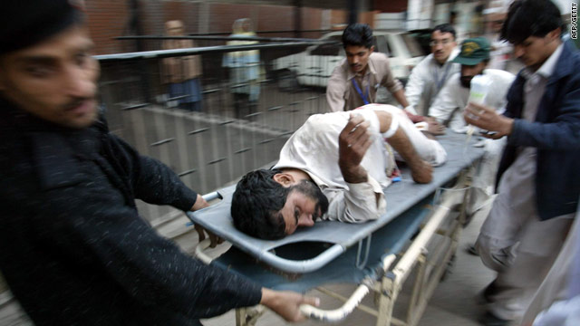 t1larg.pakistan.eshawar.injured.afp.getty.jpg
