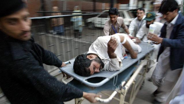 t1larg.pakistan.eshawar.injured.afp.getty.jpg
