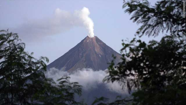 Philippines volcano threatens to erupt