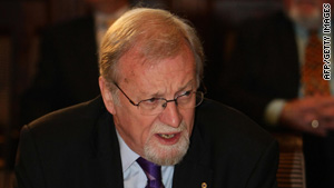 Gareth Evans co-chairs the International Commission on Nuclear Non-Proliferation and Disarmament.