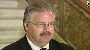 Ken Kratz, district attorney of Calumet County, Wisconsin, has resigned after a texting scandal, Gov. Jim Doyle says.