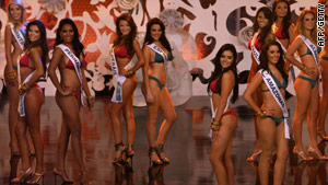 Participants at the 'Miss Brazil 2009' beauty contest in May 2009. A poll reveals Brazilians feel most pressured to be thin.