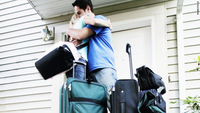 Experts advise parents against picking up their children from college if they complain about homesickness.
