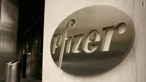 Pfizer says the moldy smell of some bottles of its drug Lipitor comes from a chemical used on wood shipping pallets.