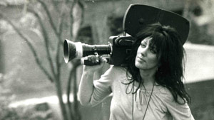 CNN camerawoman Margaret Moth survived a sniper's bullet in Sarajevo in 1992, but died of cancer on Sunday.