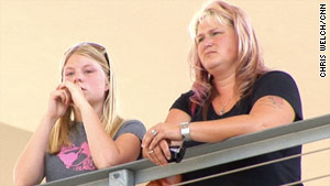 Arrianna Merritt, left, and her mom Kim Dahl returned to where they survived 2007's Minneapolis bridge collapse.