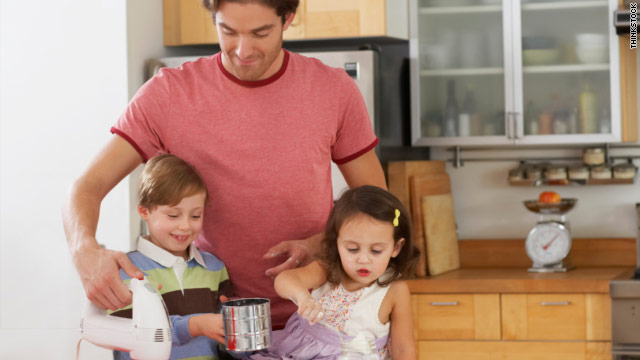 Growing Number of Dads Home with the Kids