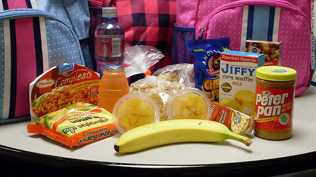 Food is placed in backpacks in Moberly, Missouri so needy students can take charity without attracting attention.