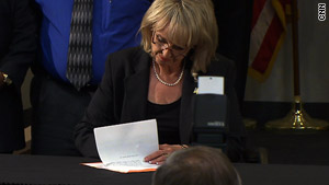 Arizona Immigration Bill Signed into Law Today (Full Text Here)