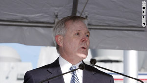 Navy Secretary Ray Mabus has been appointed by President Obama to create a plan to help Gulf restoration efforts.