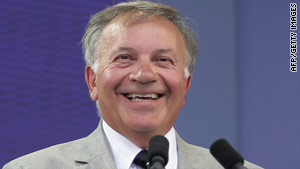 Tom Tancredo is expected to announce his gubernatorial campaign Monday.