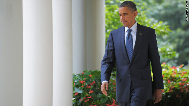 Analysts say there are actions President Obama can take to minimize expected losses for Democrats in November.