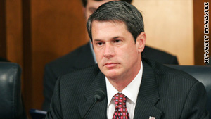 Louisiana GOP Sen. David Vitter is expected to easily overcome a primary challenge Saturday.