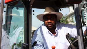 Black Farmer Rides Tractor Named Justice In Push For Settlement Funds Cnn Com