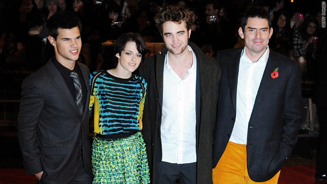 "Chris Weitz, far right, with ""New Moon"" stars Taylor Lautner, left, Kristen Stewart and Robert Pattinson."
