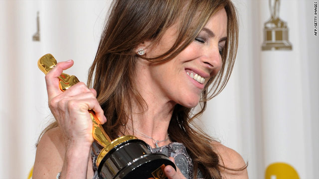 """The Hurt Locker"" director Kathryn Bigelow holds her Best Director Oscar."