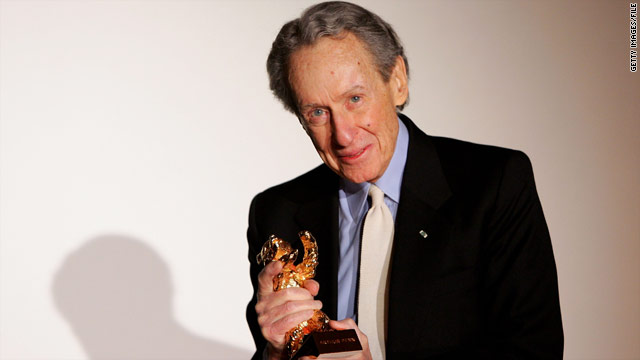 Arthur Penn, who celebrated his 88th birthday on Monday, was surrounded by his family when he died.