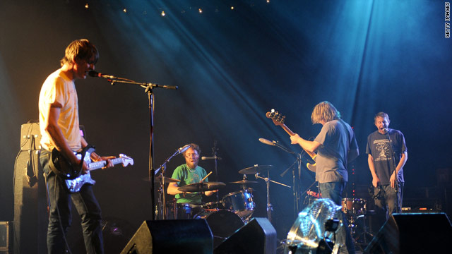 Malkmus and the rest of the band brought new flair to their old songs in their first New York gig since 1999.