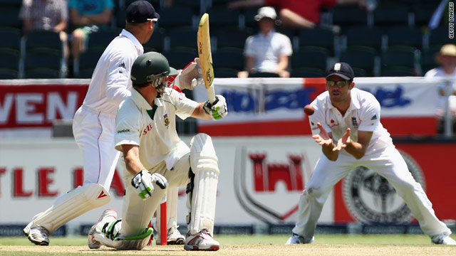 AB De Villiers was given not out by the video umpire after being caught by James Anderson off Graeme Swann.