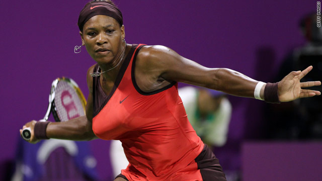 Serena Williams remains on course to defend her Australian Open title after comfortably reaching the third round.