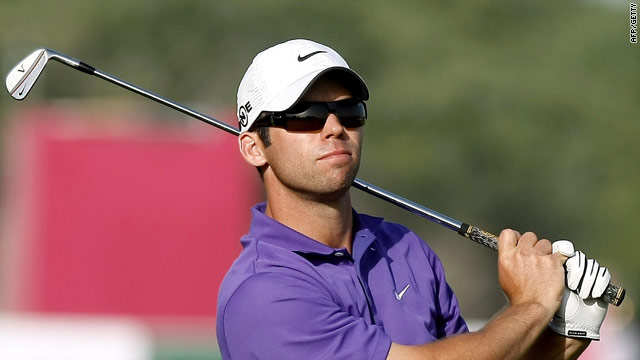 Casey carded seven birdies as he claimed a share of the Qatar lead with Bradley Dredge.