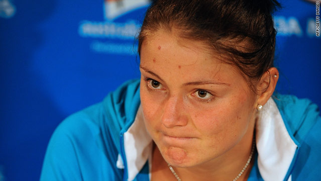 Russian tennis star Dinara Safina is battling to overcome a long-term back problem.