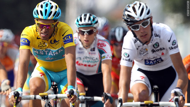 Alberto Contador (L) and rival Andy Schleck have drawn a line under their row over a dropped chain in the Tour de France.