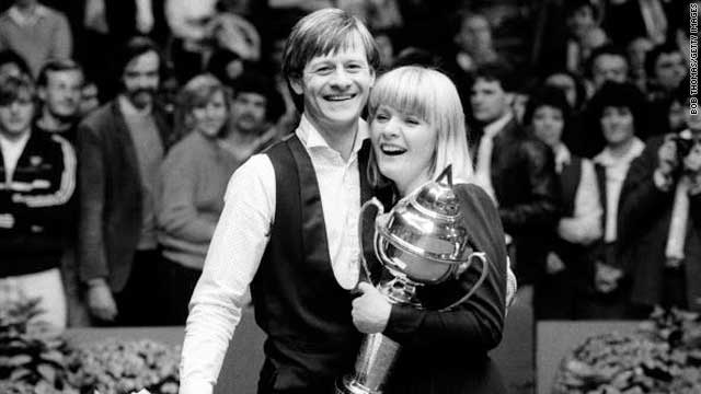 Higgins with his wife Lynn, after winning the Coral UK snooker Final in 1983