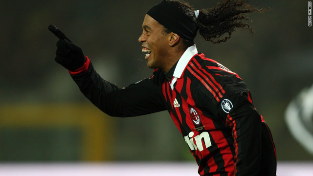 Ronaldinho scored twice to help Milan ease to a 3-0 win at Juventus -- a result that heaps more pressure on Ciro Ferrara.
