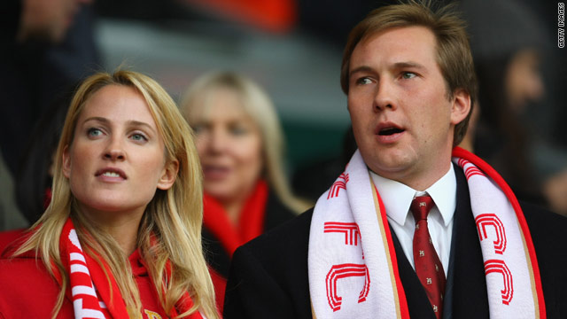Hicks Jr (right) has resigned from the Liverpool board after responding abusively to a supporter's email.