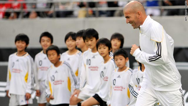 French football legend Zinedine Zidane at a training clinic for children in Tokyo.