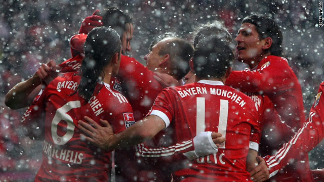 Bayern defied the blizzard conditions to score a 3-0 home win over Mainz.