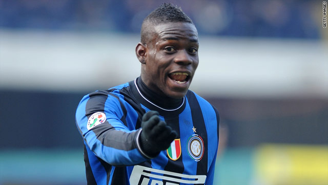 Mario Balotelli scored the vital equalizing goal as Inter Milan drew 1-1 at Parma to lead Serie A by nine points.