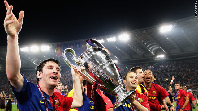 Lionel Messi (L) leads Barcelona's celebrations after they beat Manchester United in the Champions League Final 2009.