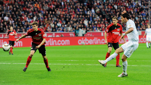 Schalke striker Kevin Kuranyi nets his first goal in the 2-0 defeat of third-placed Bayer Leverkusen.