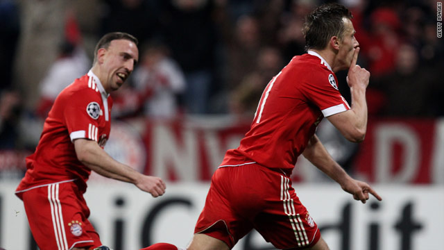 Olic scored in the second minute of injury time as Bayern Munich came from behind to win.