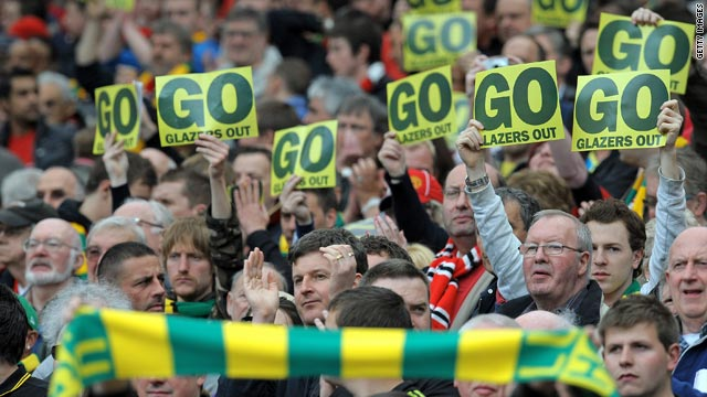 United supporters leave the Glazer family in no doubt that they want them to sell their interest in Manchester United.
