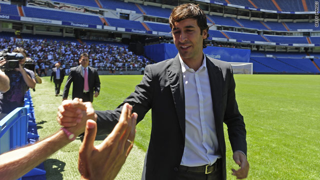 Raul bids farewell to Real Madrid fans after deciding to end his 18-year stay with the Spanish club.