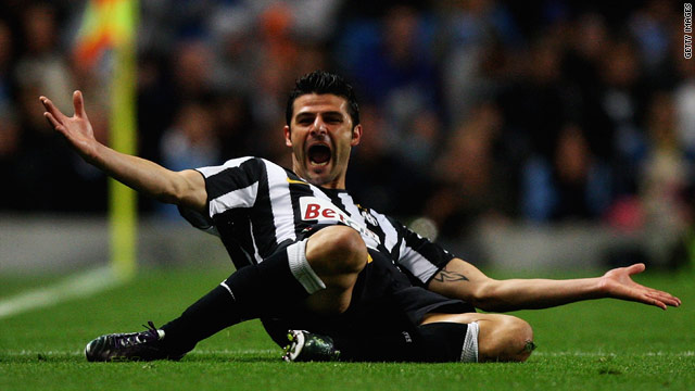 Vincenzo Iaquinta celebrates giving Juventus the lead against Manchester City
