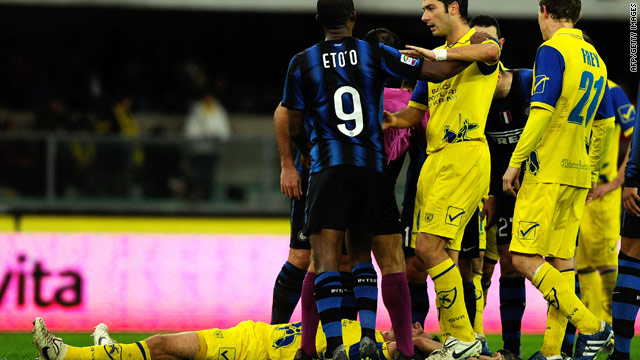 Inter's Samuel Eto'o was seen by television cameras headbutting Chievo's Bostjan Cesar in the chest. Inter lost the game 2-1.
