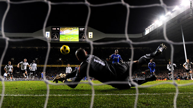 Heurelho Gomes superbly saved Didier Drogba's late penalty as Chelsea drew 1-1 at Tottenham.